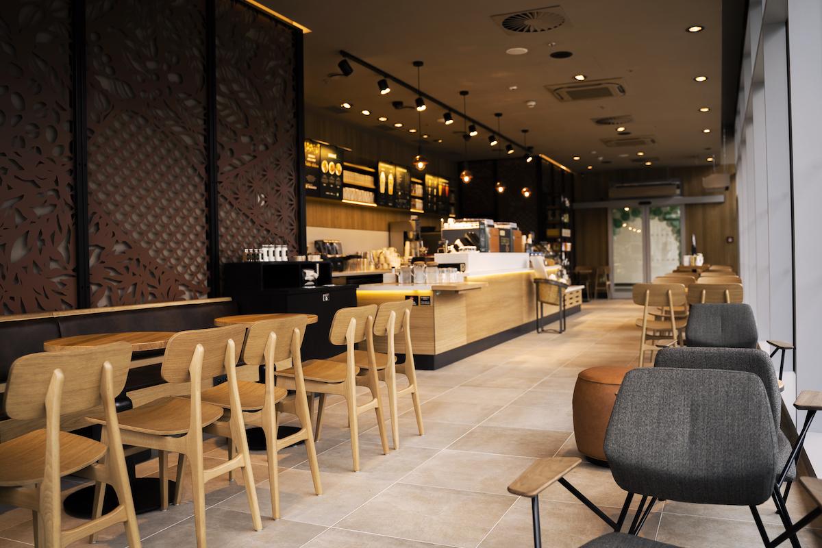 Nová kavárna Starbucks v Pardubicích