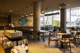 Starbucks přidává další kavárnu v Praze, je v Atriu Flora