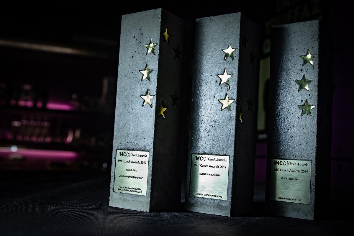 Trofeje byly z betonu. Foto: Tomáš Kříž