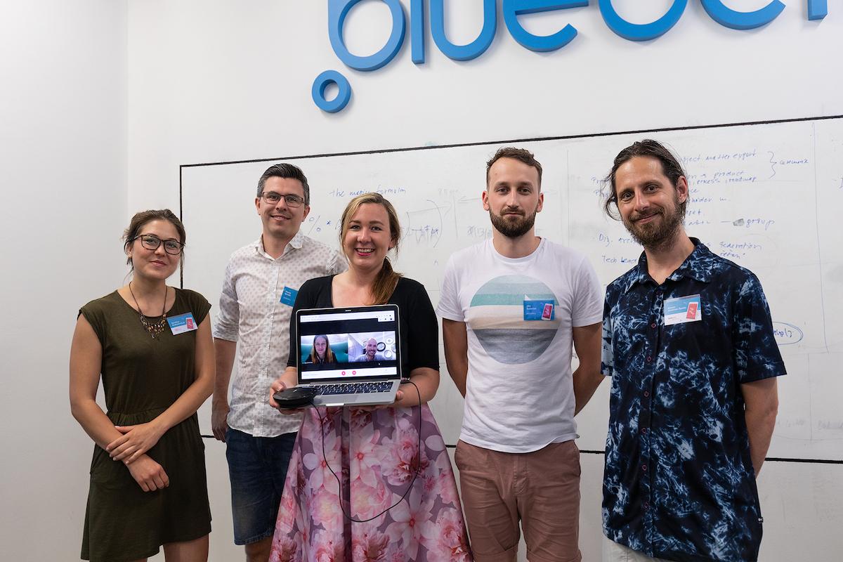 Zástupci Blueberry a aplikace CF Hero, kteří ve výzvě zvítězili