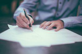 Aplikace iSmlouva umožňuje vytvářet a podepisovat smlouvy online