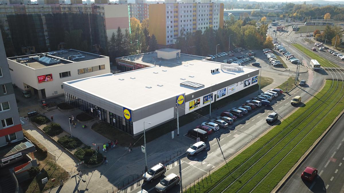 Nový Lidl v ulici Makovského v pražských Řepích