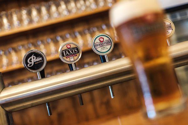 Pivovary Staropramen kupují Pardubický pivovar