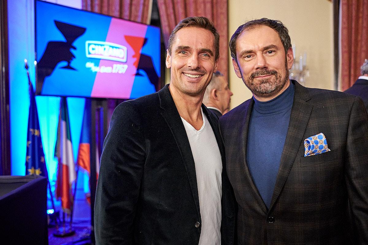Emanuele Ridi a Roman Šebrle na večeru Cin Cin na italské ambasádě