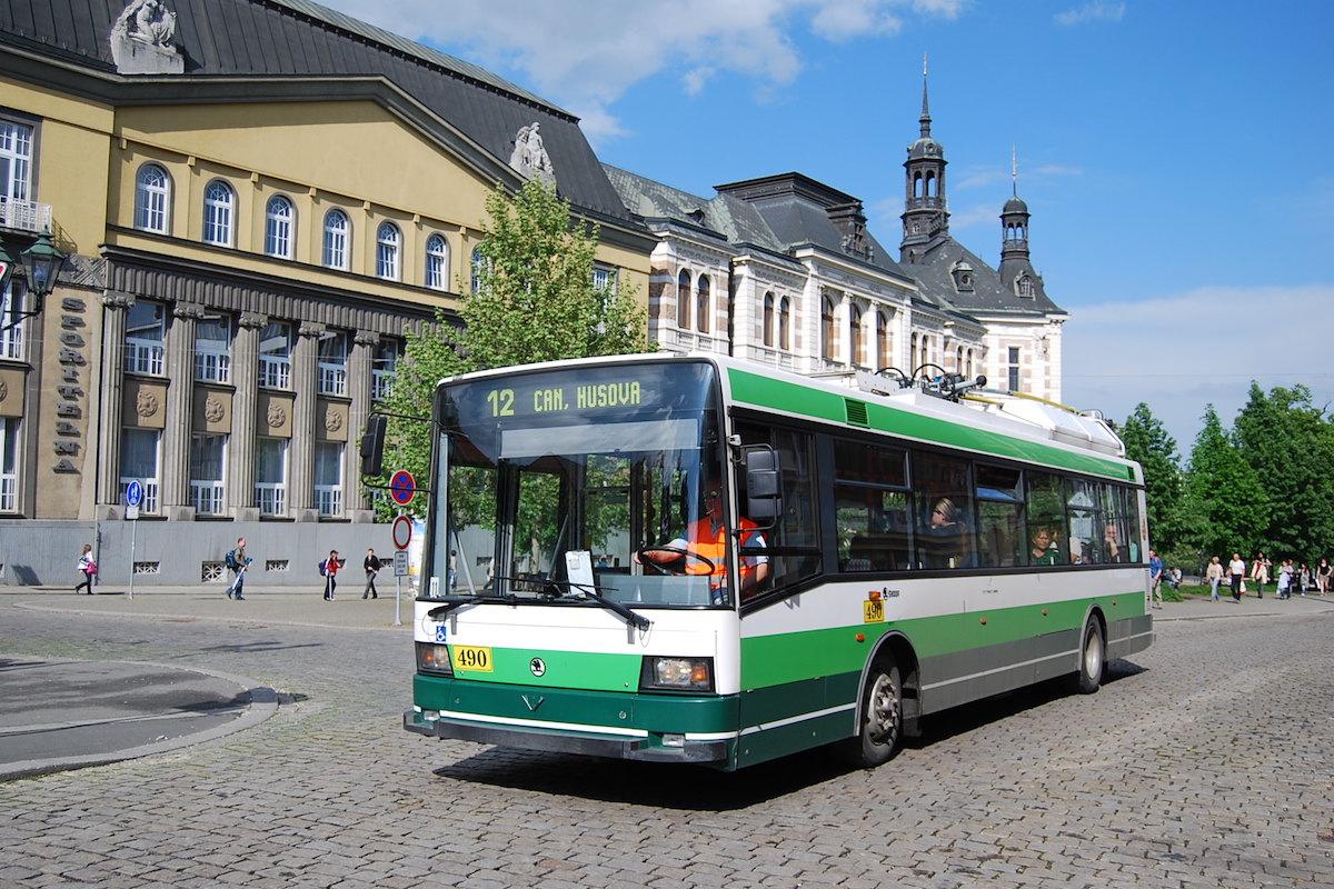 V Plzni se mohou cestující prokázat pouze telefonem