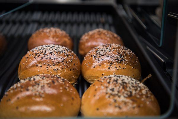 Delmart přišel do Arkád Pankrác, poprvé má ve své prodejně pekárnu