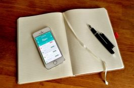 Mobilní nástroj Sloneek eviduje směny i docházku zaměstnanců