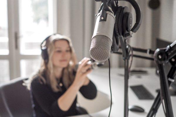 Elite Bloggers otvírají vlastní podcastové studio