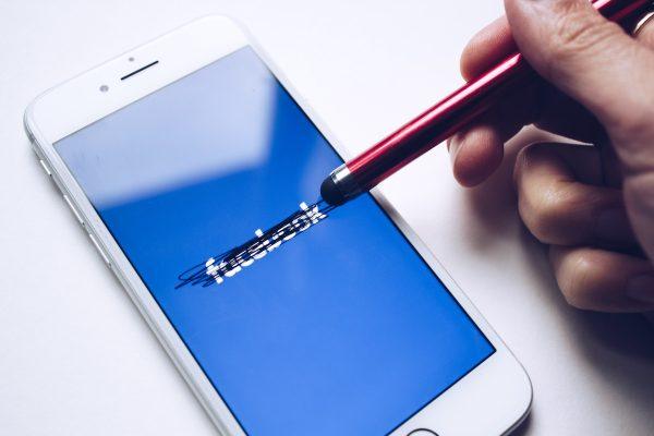 Demagog slouží jako PR alibistického Facebooku