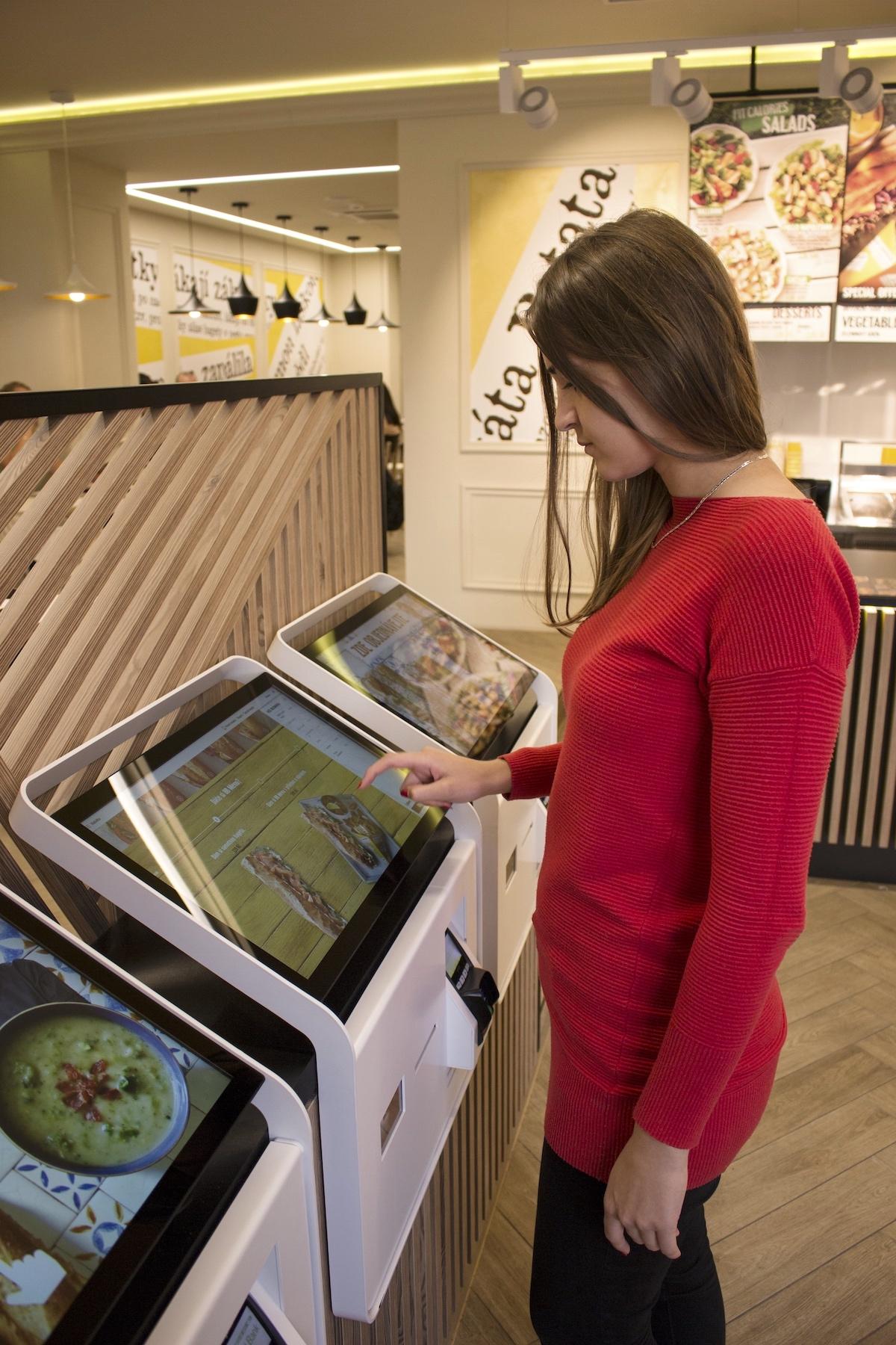 Samoobslužné kiosky v Bageterii Boulevard