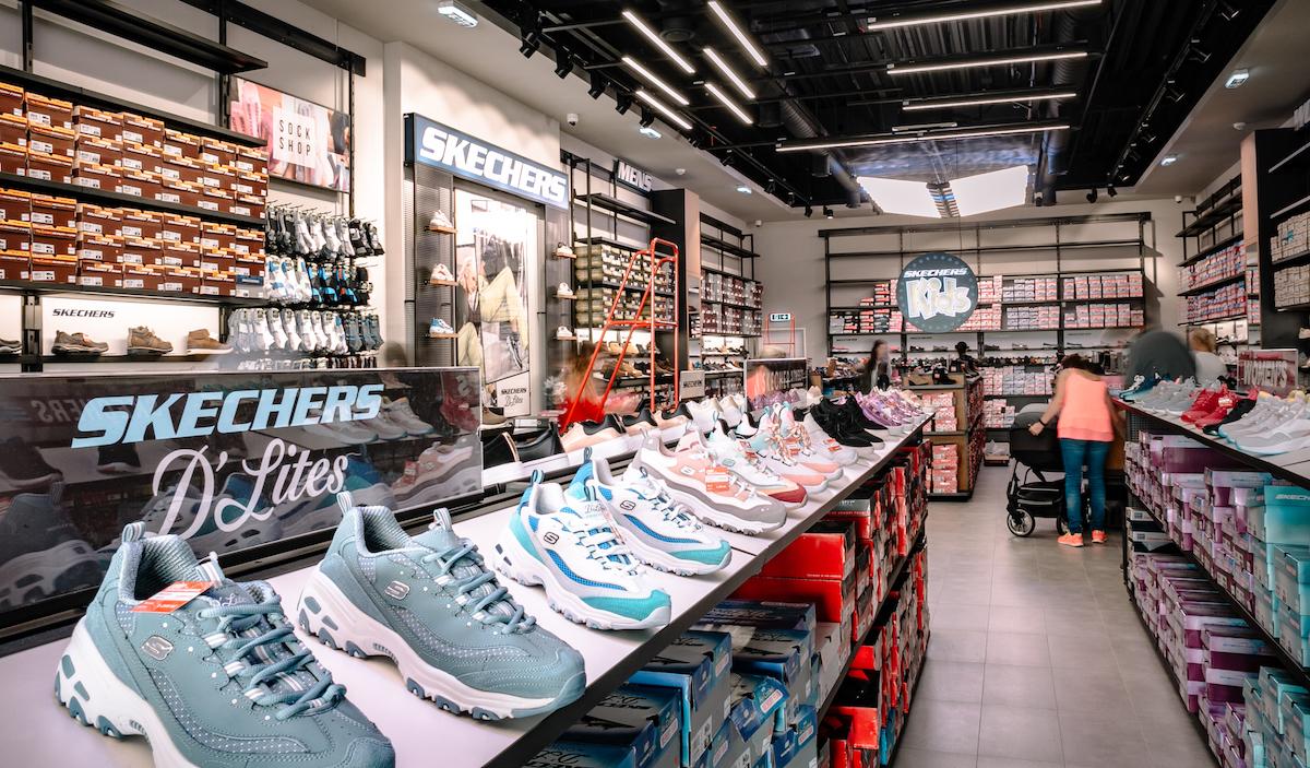 Obchod značky Sketchers v pražské Fashion Areně
