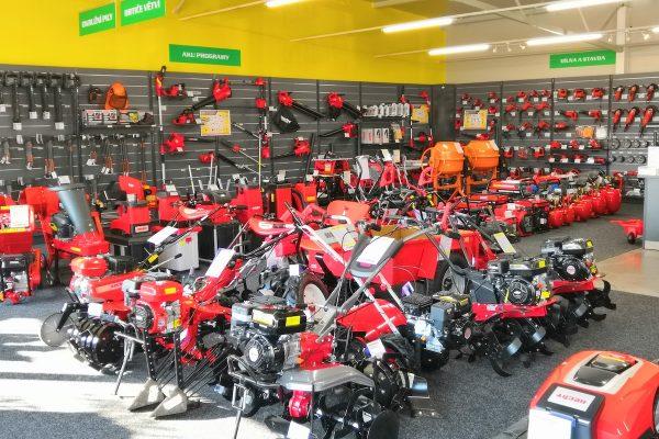Český prodejce zahradní techniky Hecht otvírá jeden obchod za druhým
