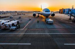 Ve hře World of Airports lze řídit provoz letišť v Praze, Bari a Innsbrucku