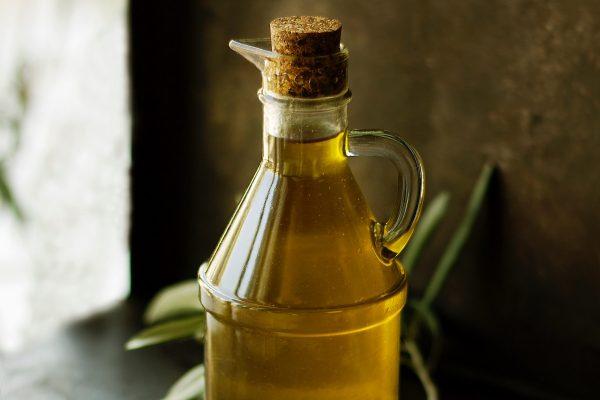 Billa prodává vůbec nejlevněji olivový olej, Albert zelený čaj