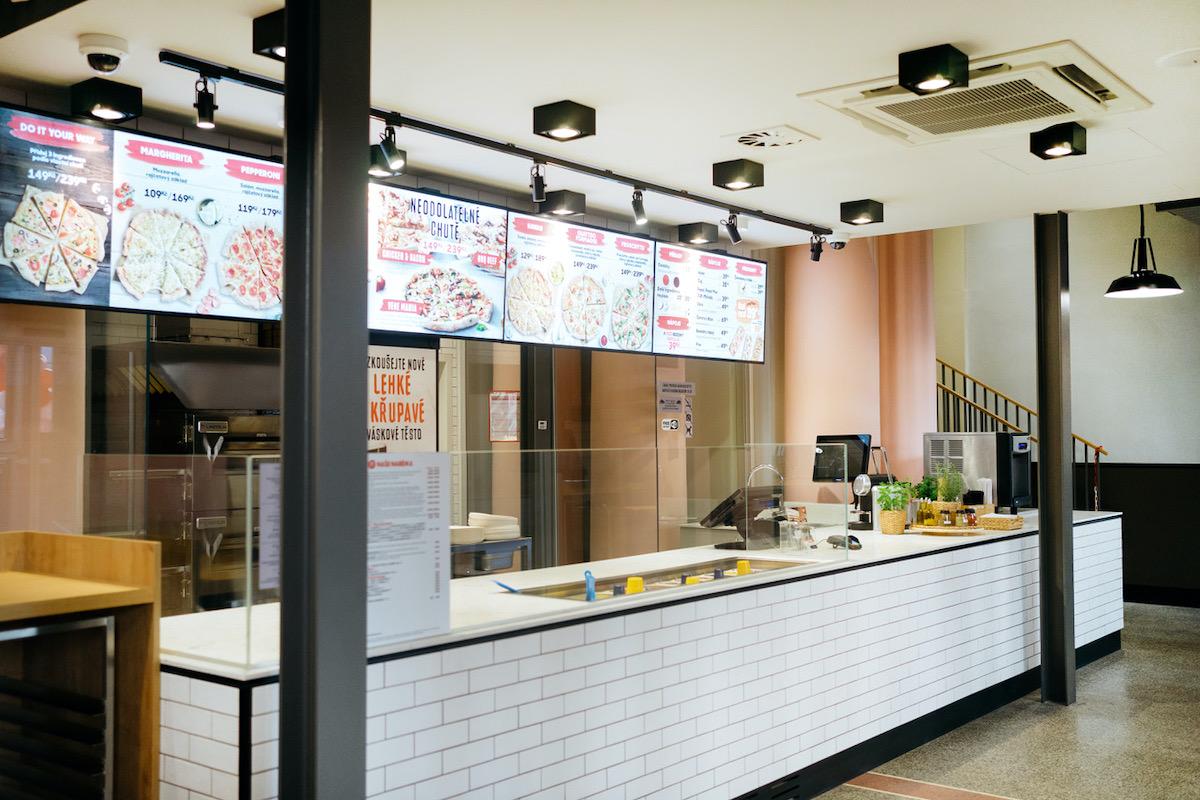 Nová Pizza Hut na Masarykově nádraží v Praze