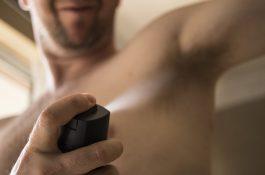Deodoranty Češi kupují nejvíc v létě a v prosinci, průměrně za ně dají 166 Kč