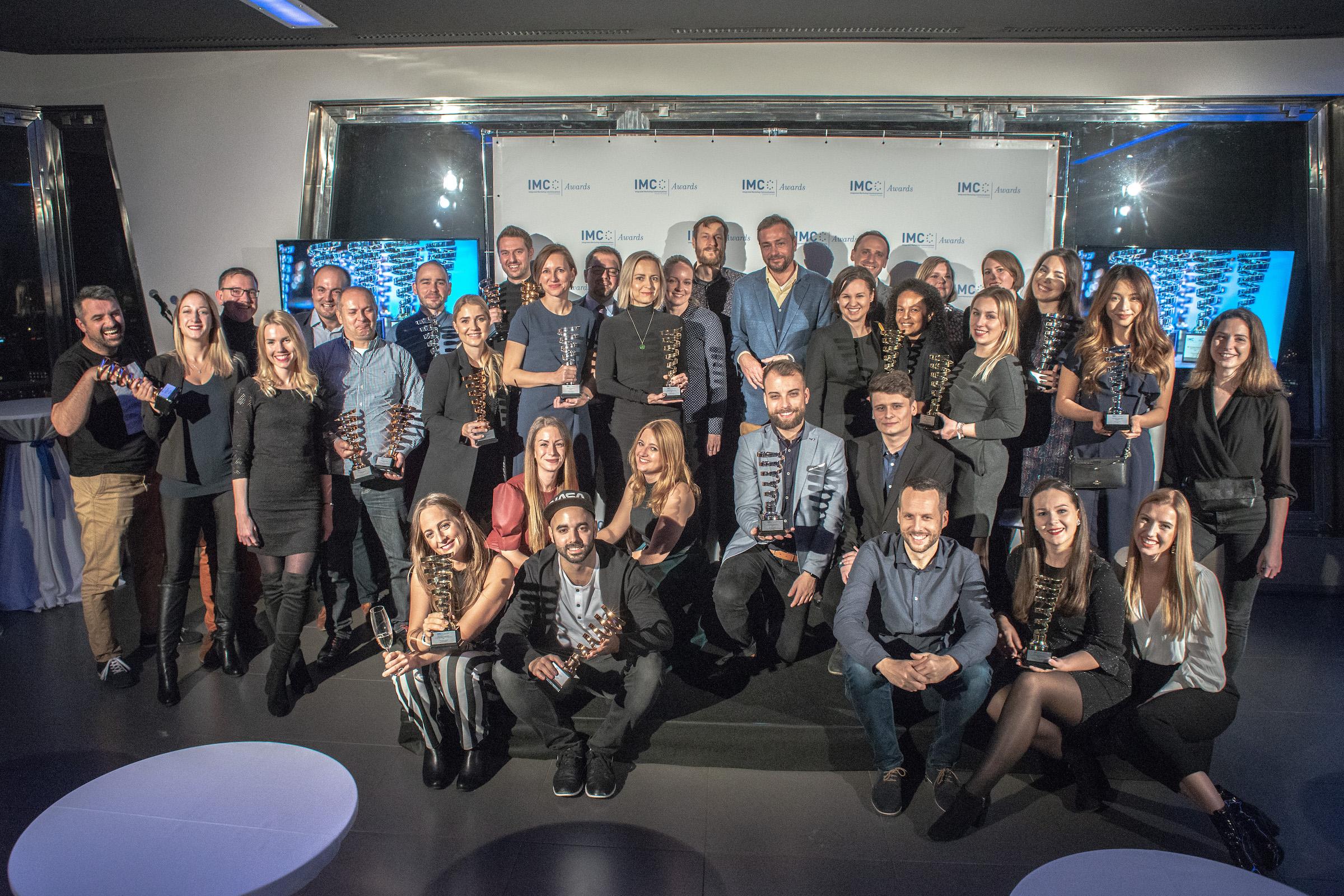 Všichni čeští držitelé cen IMC European Awards po středečním vyhlášení na žižkovské televizní věži. Foto: David Bruner