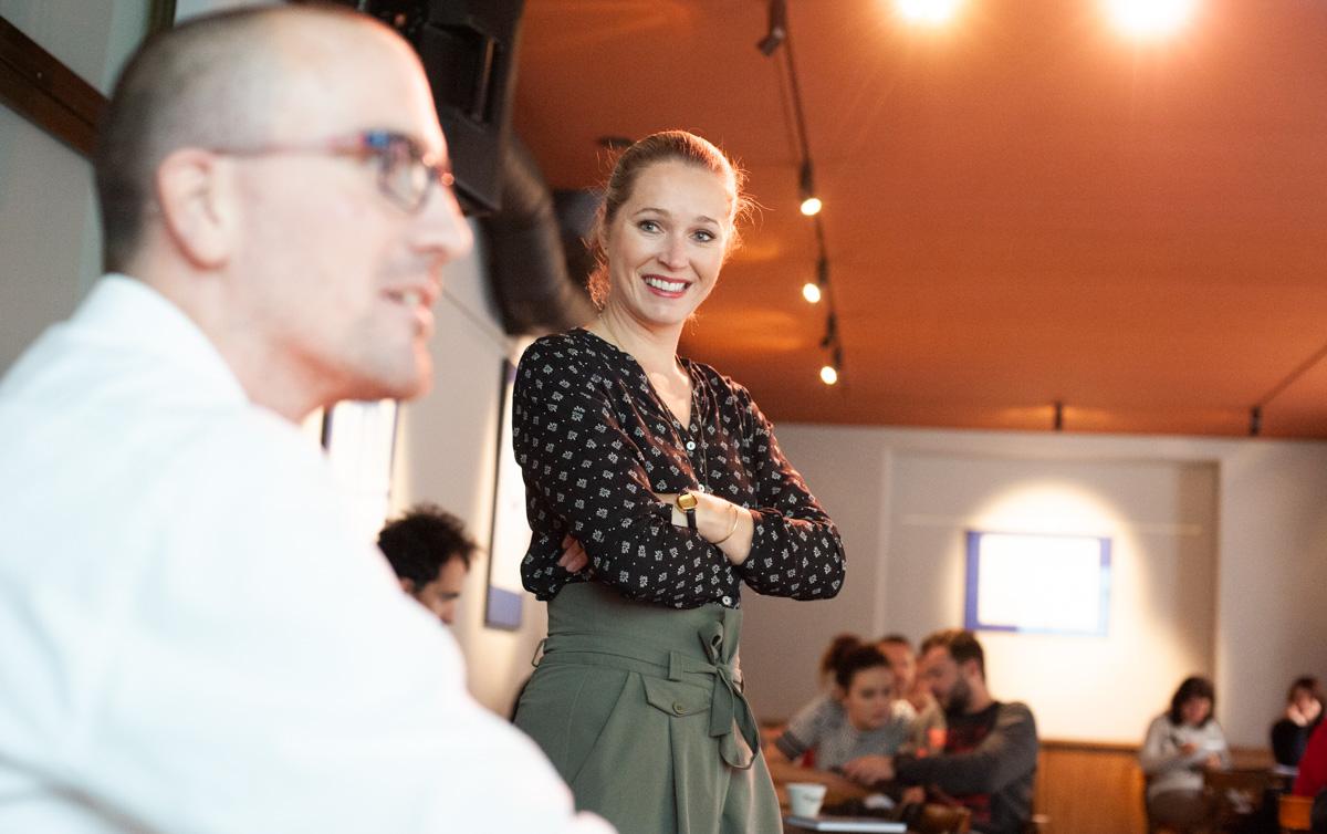 Petr Laštovka (v popředí) a Marie Krátká z Googlu na dnešním setkání digitálních agentur v Café Kampus. Foto: David Bruner