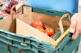 Tesco v rozvozu ruší igelitky, nákup doručuje v papíru nebo bez tašky