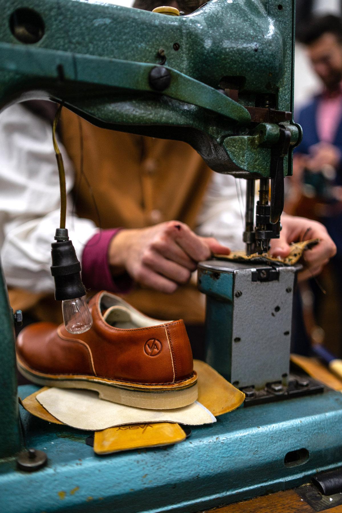 Boty Vasky jsou ručně šité a až na italské tkaničky vznikají výhradně z českých materiálů