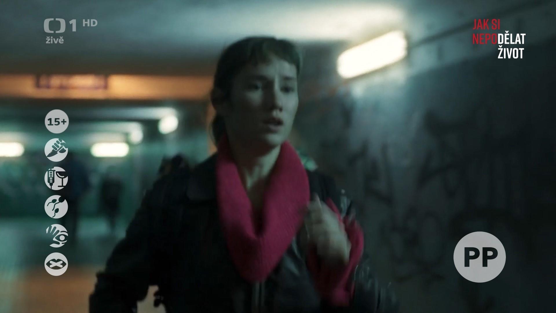 Ukázka ikon nevhodného obsahu na obrazovce České televize