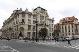 Praha vypoví smlouvy na tabule a reklamy na mostech