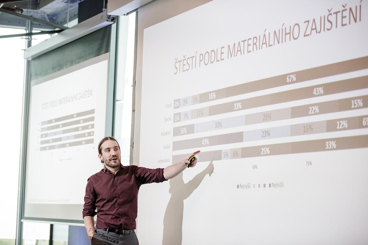Martin Buchtík prezentoval data STEM. Foto: Barbora Mráčková
