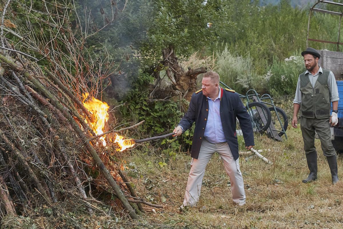 Václav Kopta jako starosta v seriálu Co ste hasiči. Foto: TV Nova