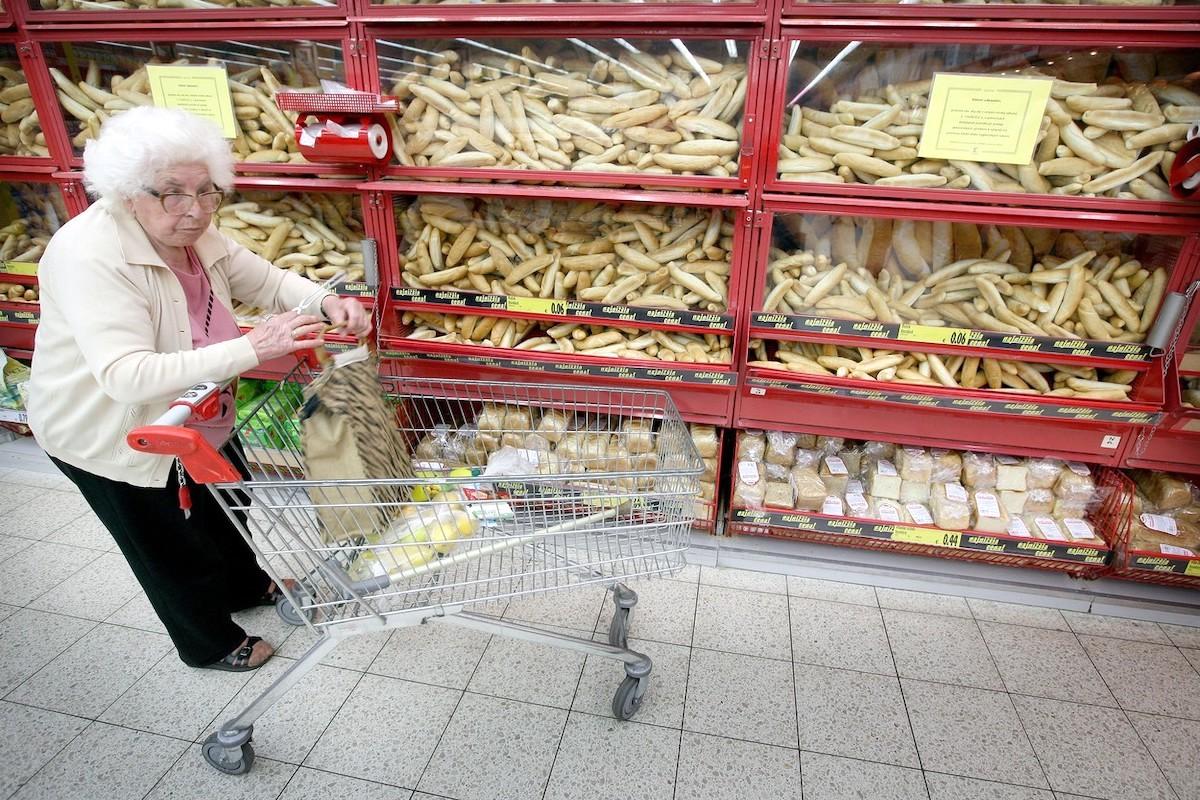 Rohlíky jsou pro zákazníky jednou z cenových kotev. Ilustrační foto: Profimedia.cz