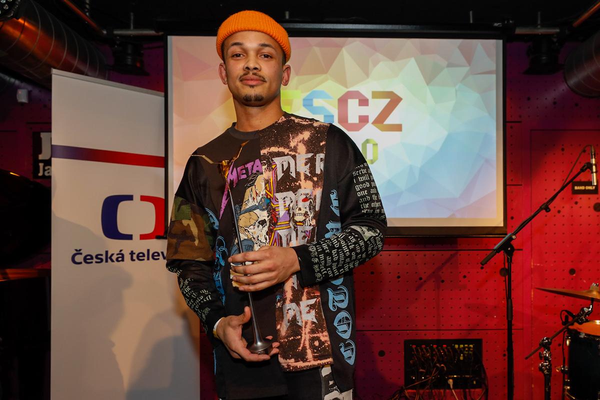 Česko měl letos na Eurovizi reprezentovat Benny Cristo