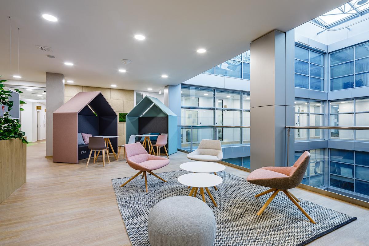 Interiér nových kanceláří operátora T-Mobile. Foto: Capexus