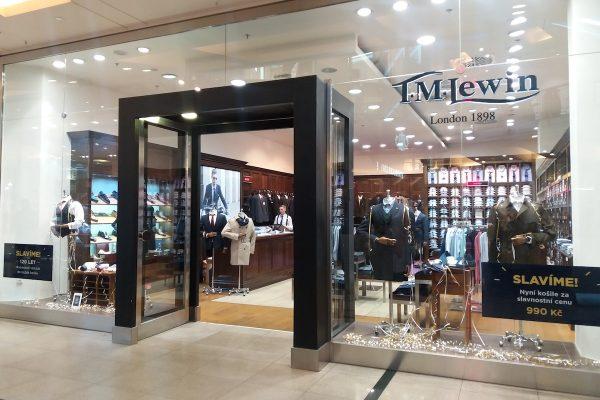 Na Chodově otevřou dámské módní butiky T. M. Lewin a Boux Avenue