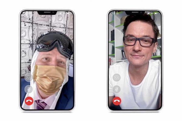 """""""Jsme úplně online,"""" hlásí za Air Bank duo bankéřů z domova přes mobily"""