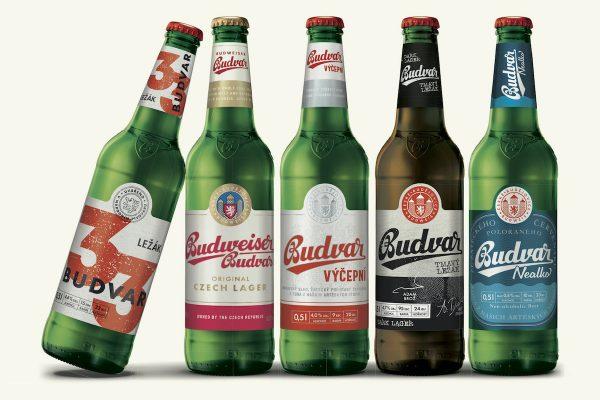 Baleného piva prodáváme víc a novinky taky budou, slibují pivovary
