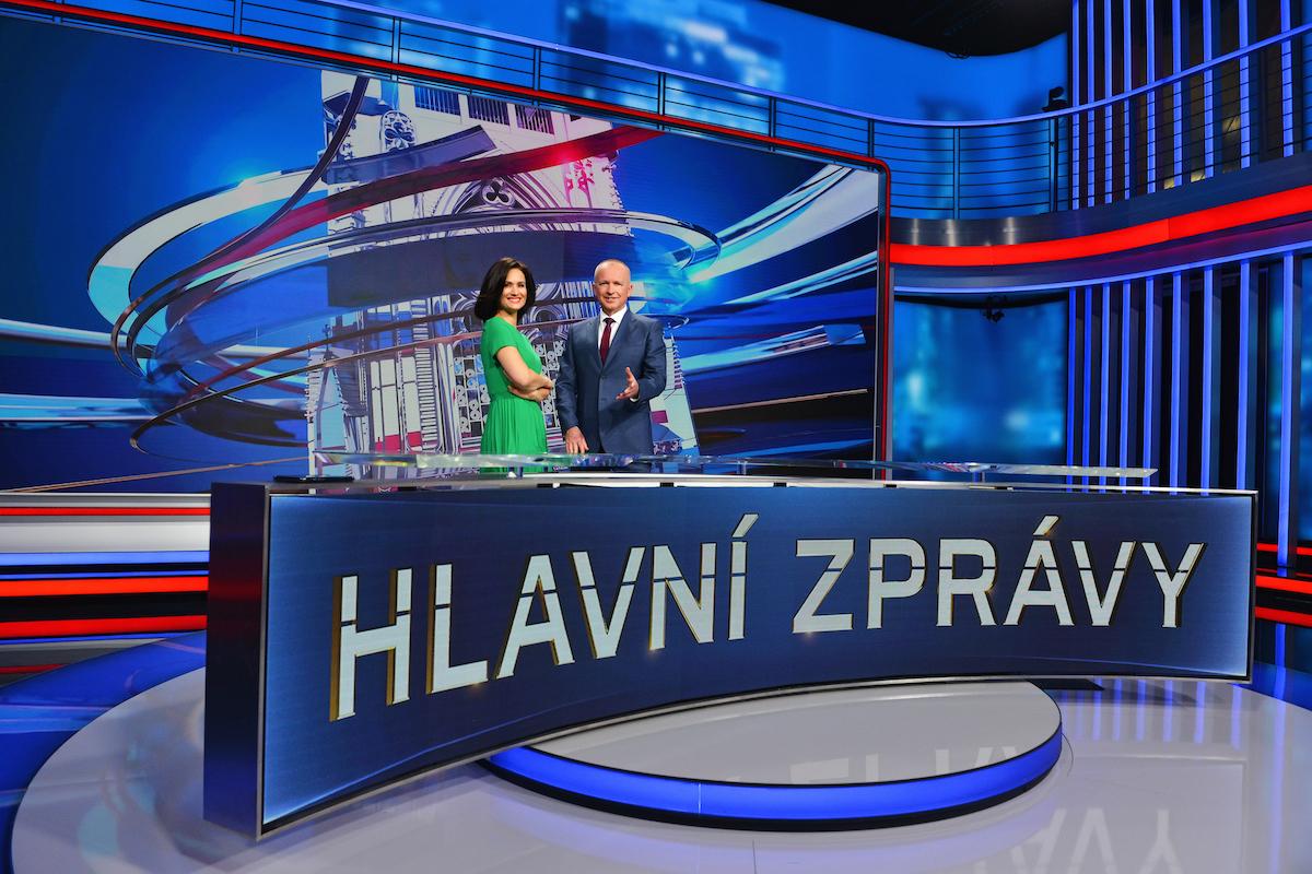 Klára Doležalová a Karel Voříšek jako moderátorská dvojice večerních Hlavních zpráv
