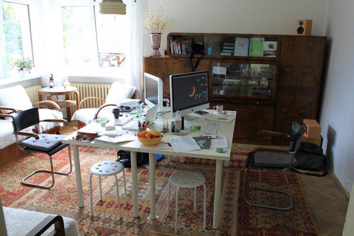 """První """"kancelář"""" KHS: u babičky v obýváku, Vsetín 2009"""