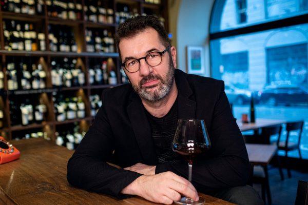 """3 otázky pro Jana Horešovského: """"Čekáme tři negativní efekty, proč se vinařům povede hůř"""""""