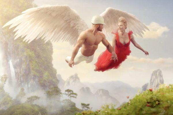 Ze svalnatce se sbíječkou se stane anděl, kousnutím do nanuku Mrož