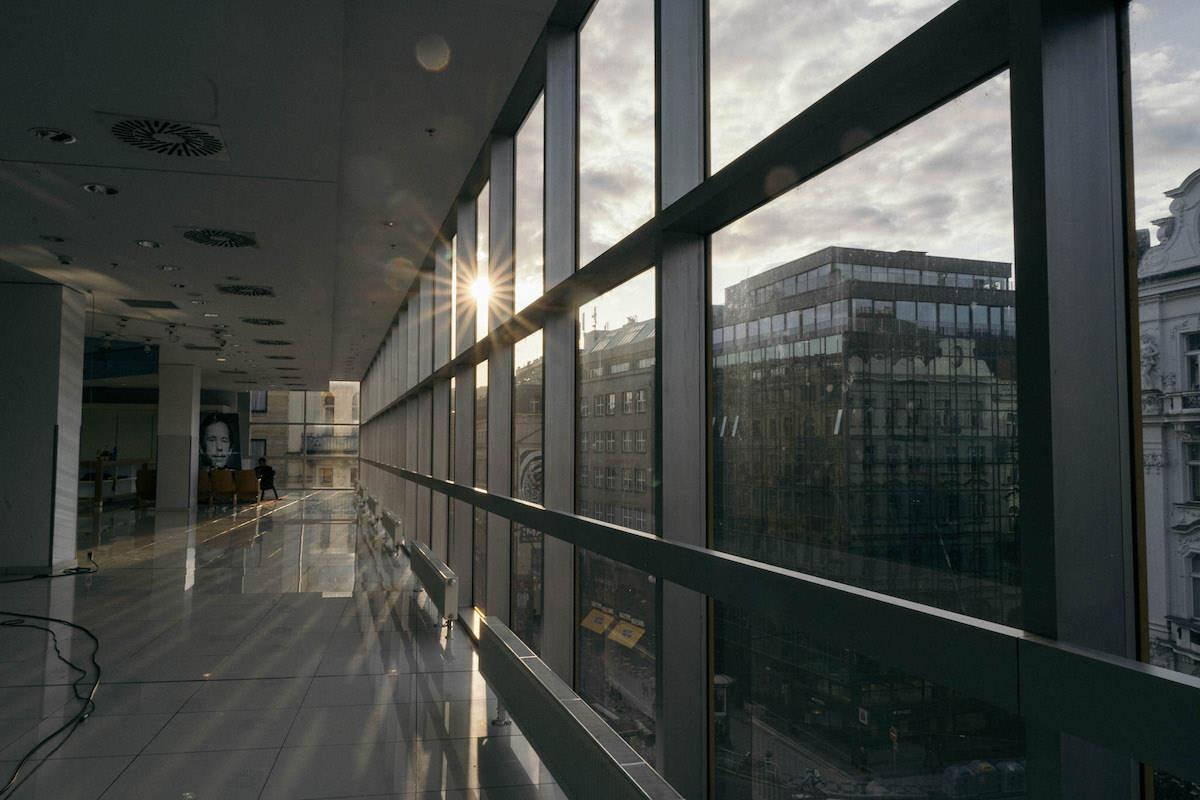 Akce probíhala ve 4. patře Máje. Foto: Lukáš Neasi