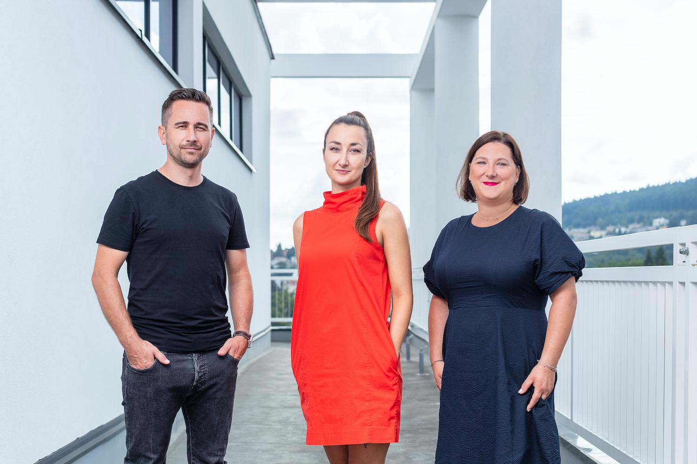 Tým nové kreativy Datartu. Zleva Marek Ingr (vedoucí marketingové komunikace), Žaneta Kubíčková (marketingová manažerka), Lenka Mastešová (ředitelka marketingové komunikace)