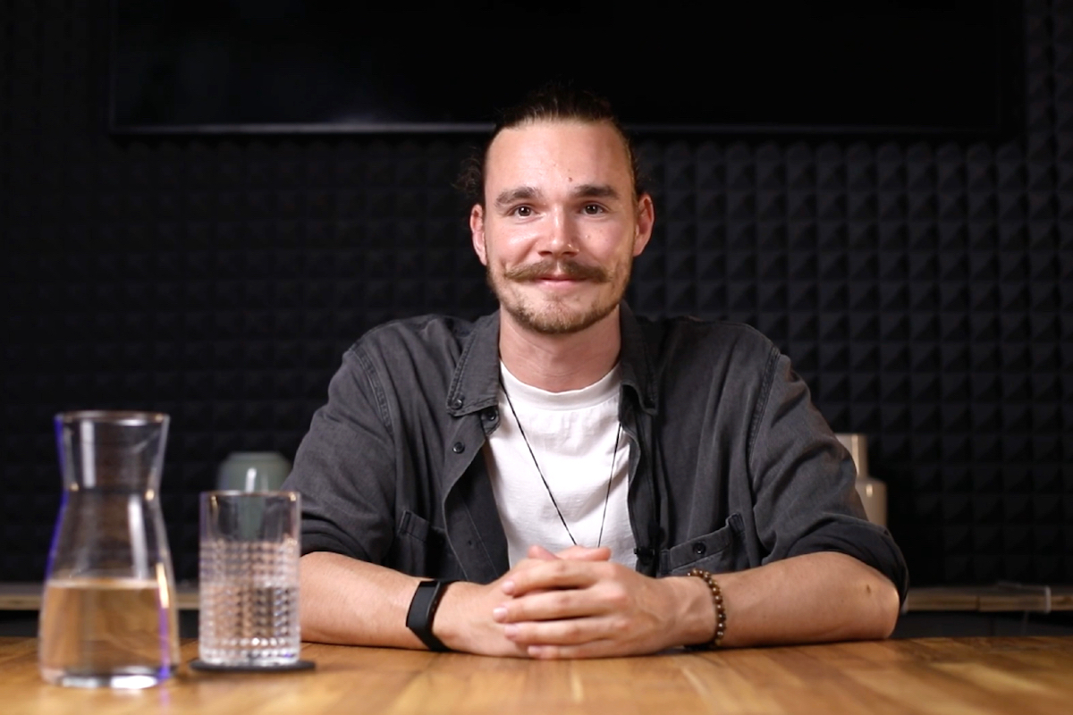 Moderátorem videoseriálu Na značky je Honza Borýsek