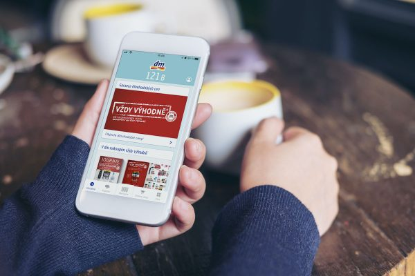 """""""Déemko"""" zpřístupňuje věrnostní kartu v podobě nové mobilní aplikace"""