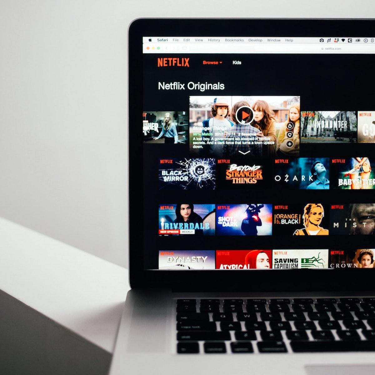 Videotéka Netflix produkuje spoustu vlastních seriálů a filmů