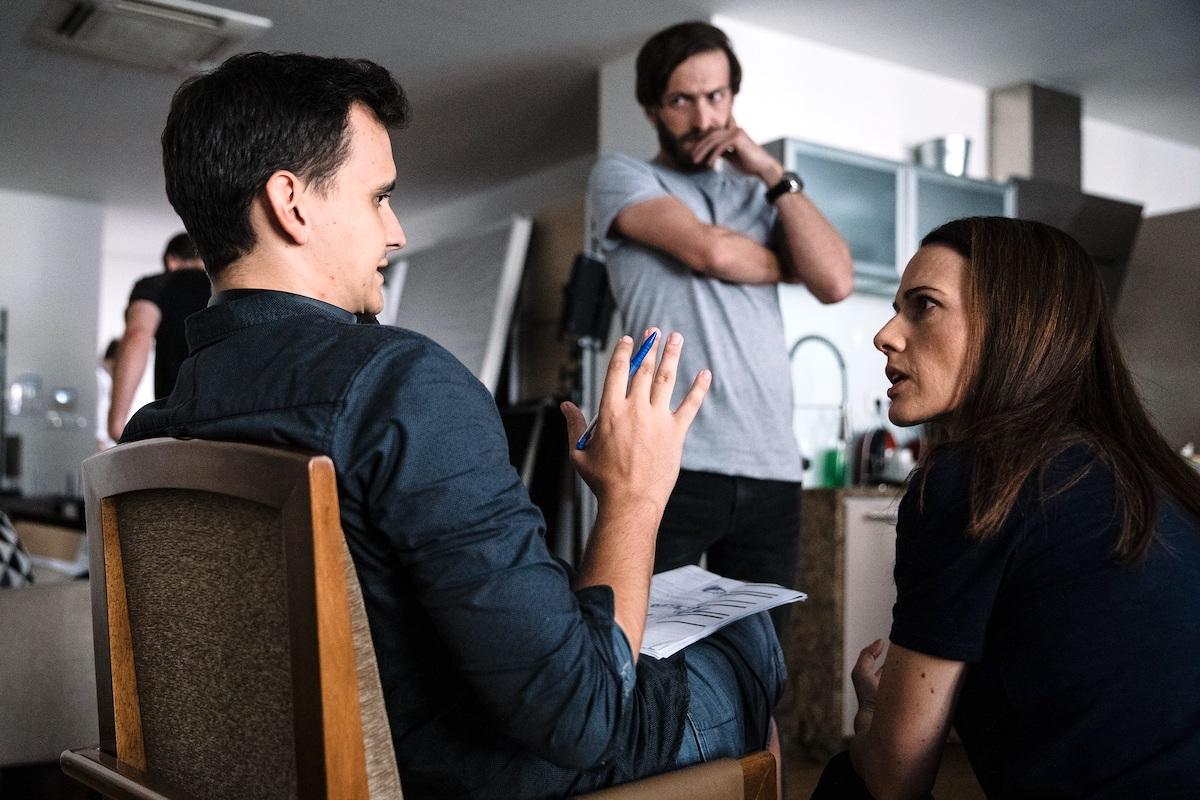 Režisér Pavel Soukup s Martyho rodiči, které hrají Petra Bučková a Jan Grundman. Foto pro Mall.tv: Tomáš Hejzlar
