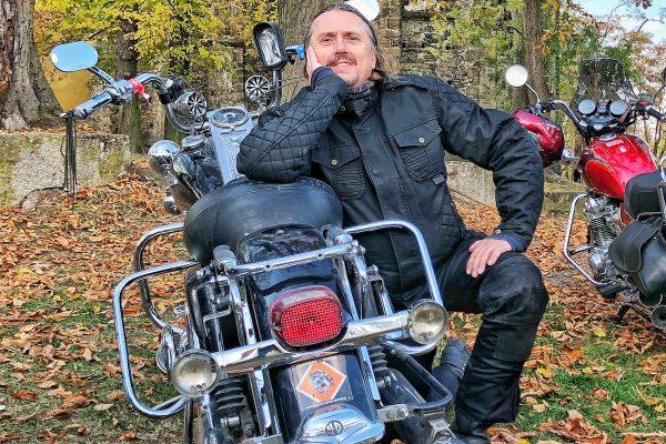 Na trhu je nový časopis pro motorkáře Drž stopu