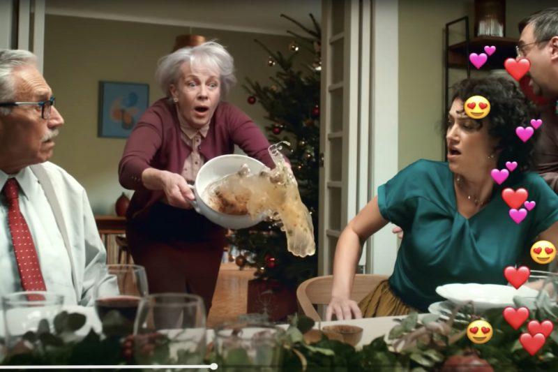 """""""Božský Kája a poťouchlý humor."""" Nejlepší vánoční reklamu má T-Mobile"""