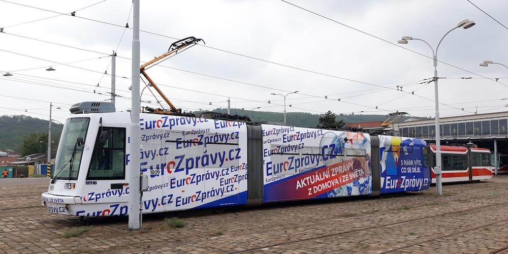 Vydavatelství Incorp využilo pro svůj web i reklamu na tramvajích