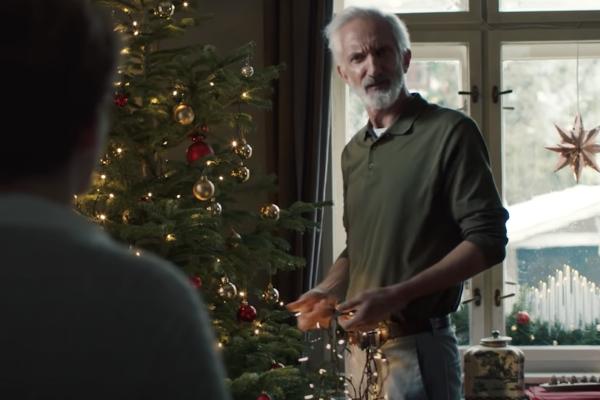 """""""Ty pravé Vánoce jsou, když jsme spolu,"""" hlásá Pilsner Urquell v kampani od Youngů"""