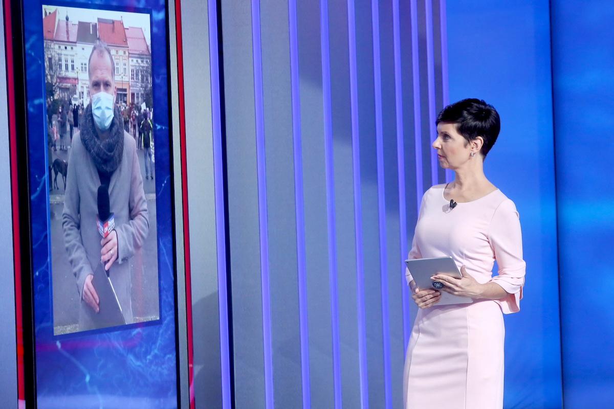 Markéta Fialová jako moderátorka relace Zprávy z regionů. Foto: CNN Prima News