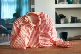 Ve spotu KetoDiet od Brain One je oblečení smutné z toho, že majitelka zhubla